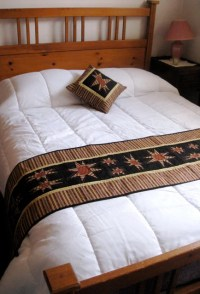 Items similar to Quilted Bed Scarf With Matching Pillow ...