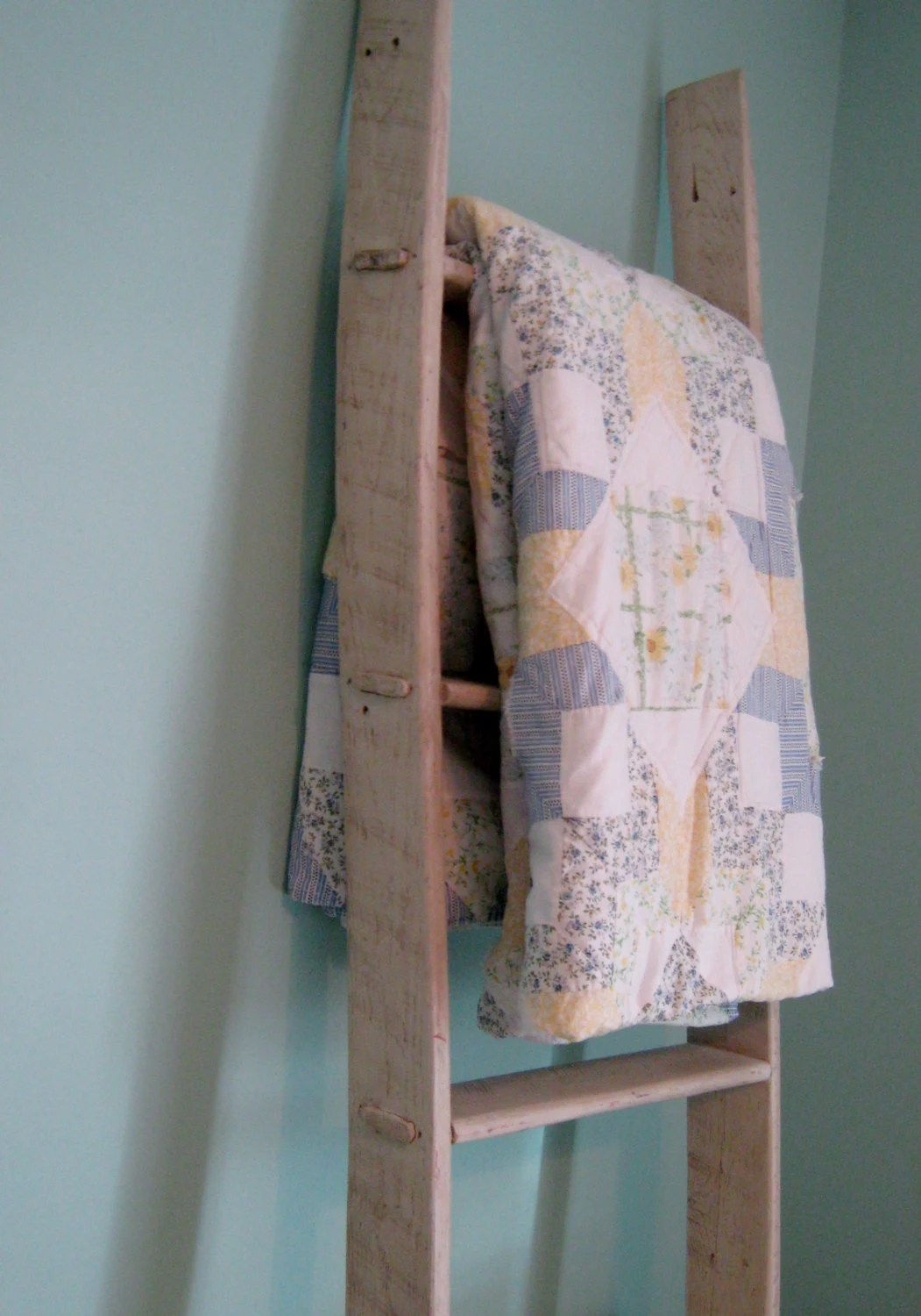 Wood Pallet Quilt Rack Ladder By Pineterracetreasures On Etsy
