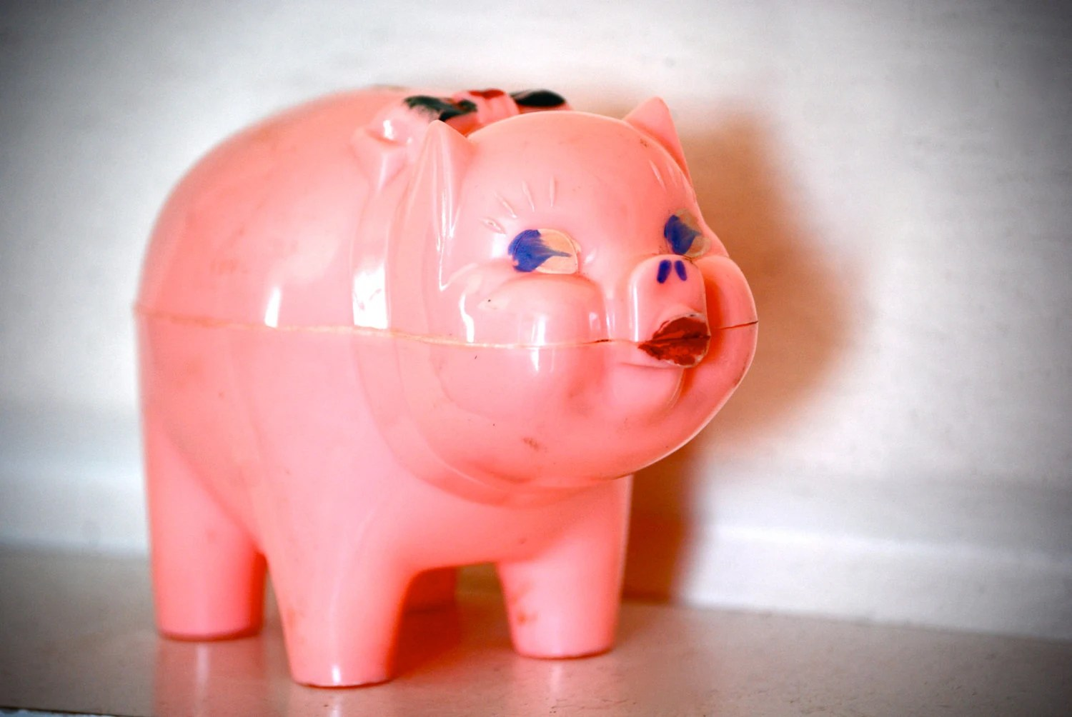 Pink Plastic Piggy Banks Vintage Plastic Pig Bank Toy Town Corp