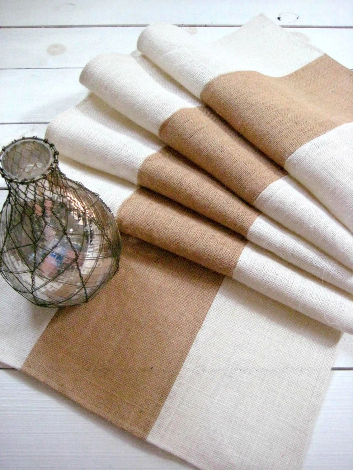 Farmhouse Style Table Runners Contemporary Farmhouse Interior Amazing Natural Home Design