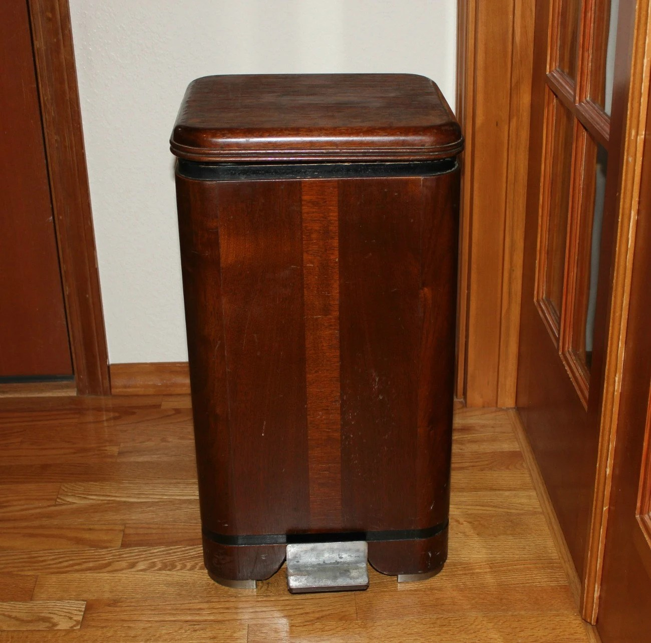 Vintage Kitchen Trash Can Waterfall Hamilton Trash Can Garbage Bin Vintage Wood Step Lid