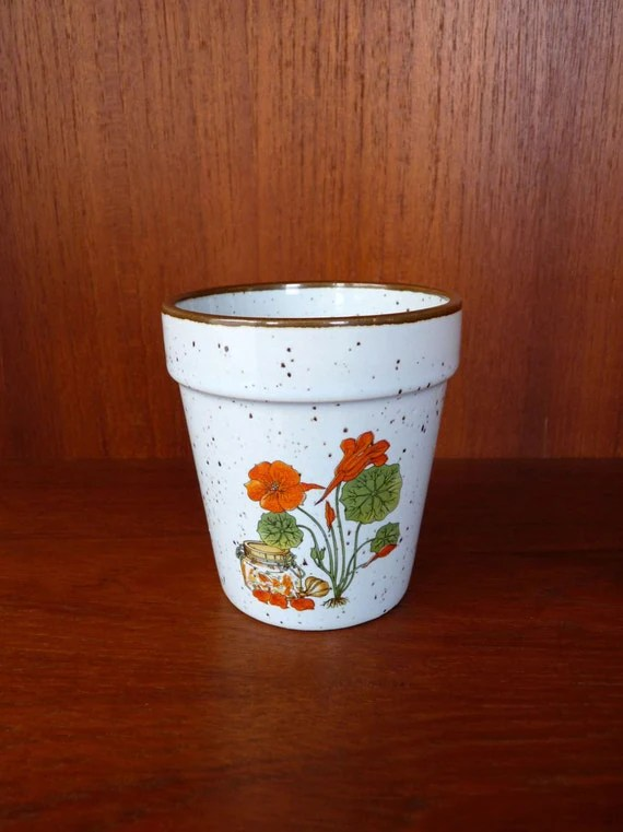 Blumentopf Shop 1970s Small Ceramic Planter Flower Pot By Foxandthomas On Etsy