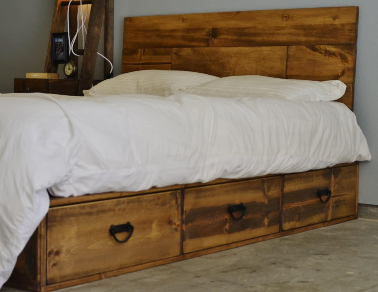 Sale 20 Off Rustic Wood Platform Storage Bed With Drawers