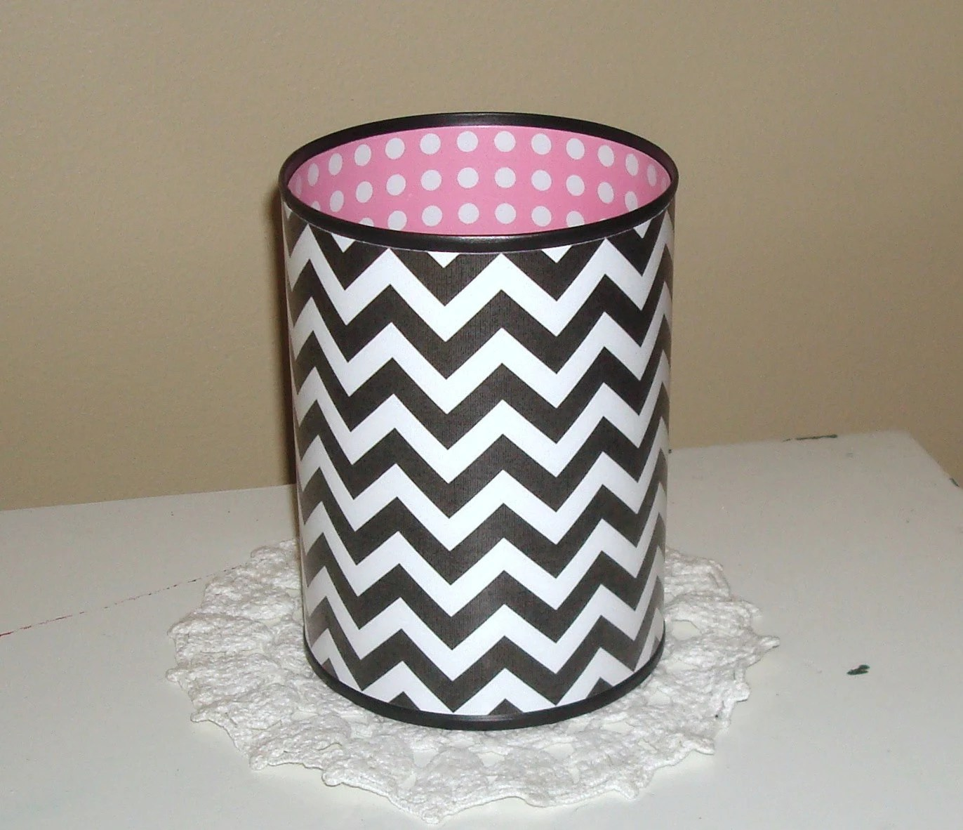 Pencil Holder Pink Black Pencil Cup Cute Desk Accessories
