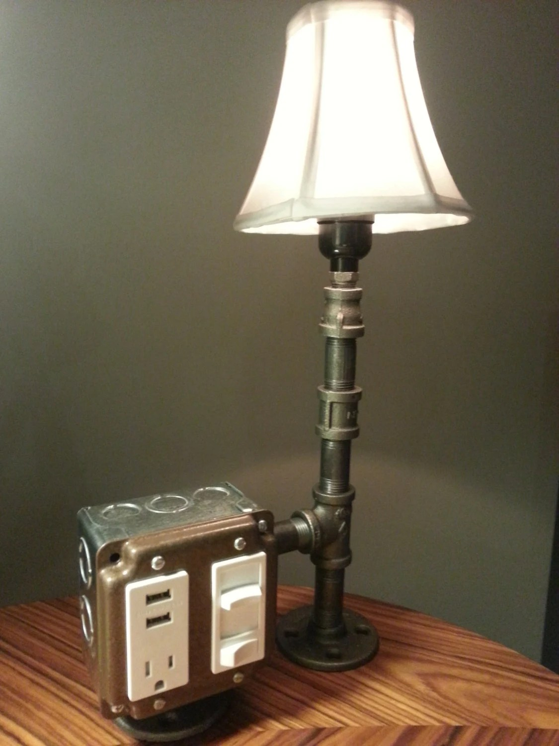Bedside Lamp With Dimmer Switch The Hammered Boss Desk Or Table Lamp With Usb By Bosslamps
