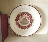 Vintage Royal China Jeanette Large Cherry Deep Dish Pie Plate