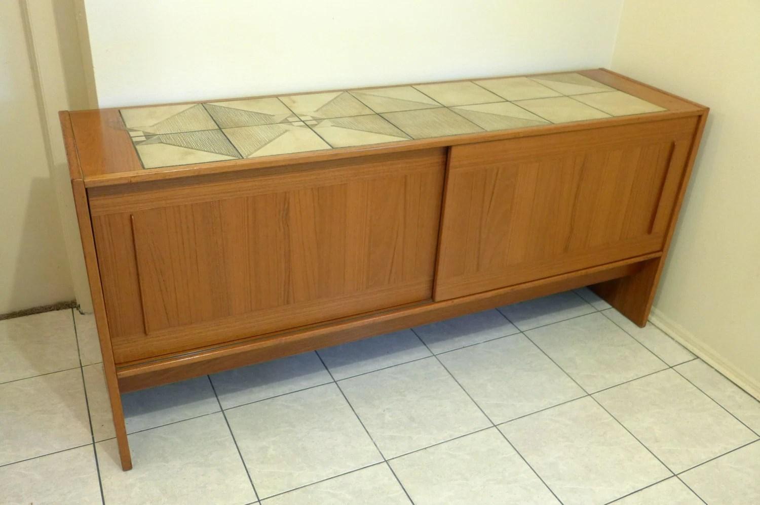Vintage Sideboard Sliding Doors Teak And Tile Top Danish Modern Sideboard Gangso Mobler
