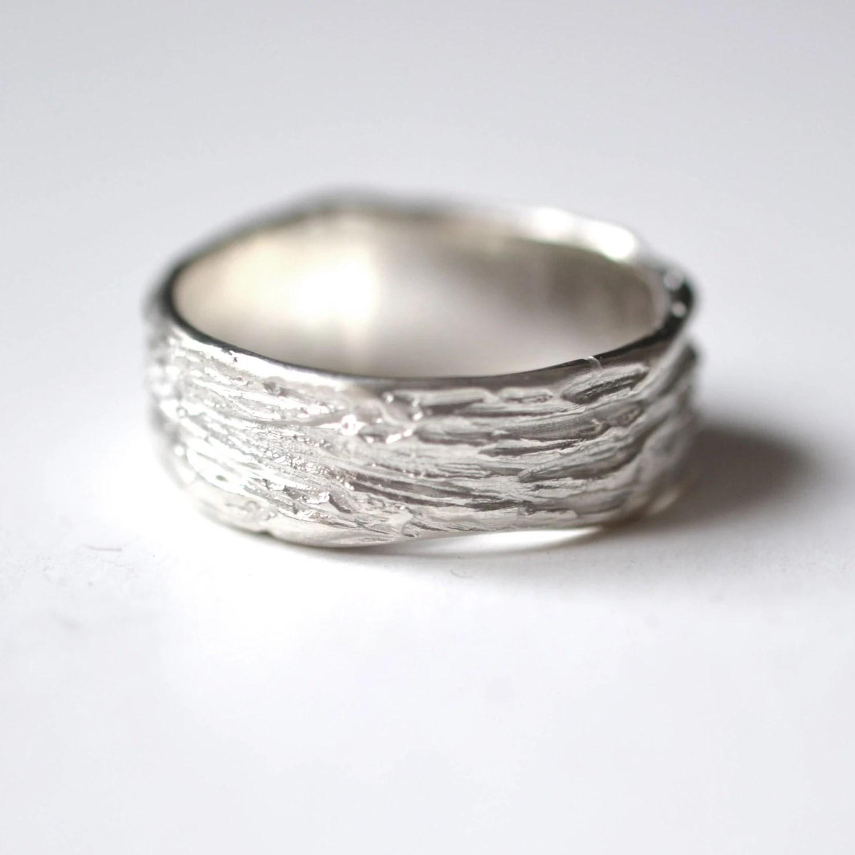 mens ring silver textured ring man labradorite wedding ring zoom