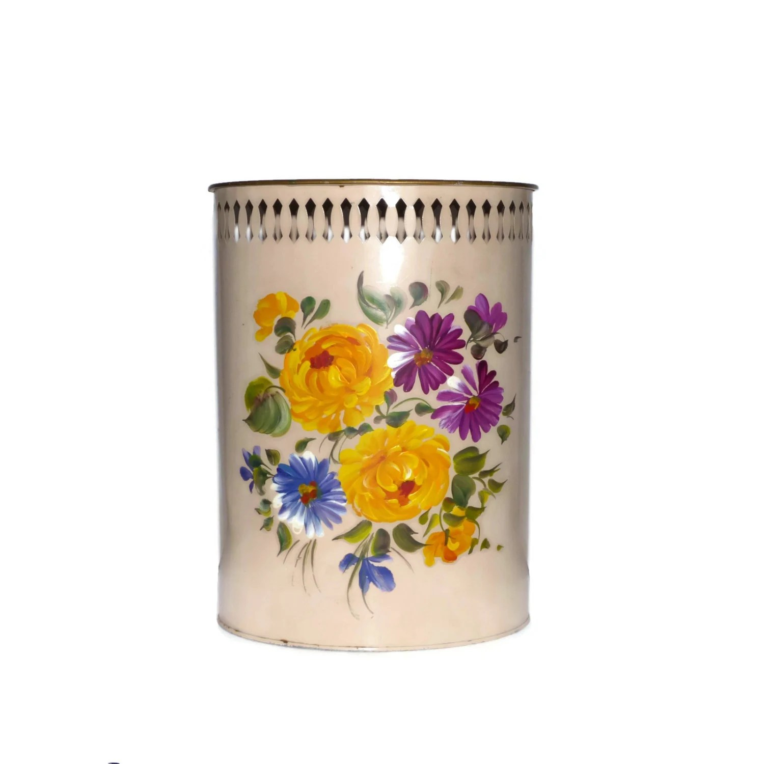 Shabby Chic Waste Baskets Tole Painted Metal Wastebasket Chrysanthemums Daisies Vintage