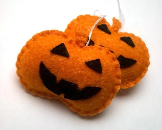 Felt pumpkin ornament halloween decor handmande felt