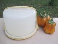 tupperware cake holder with handle plastic round