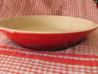 Le Creuset Cherry Red stoneware 9 deep dish pie plate
