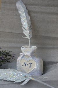 Items similar to Silver Feather pen set and pen holder ...
