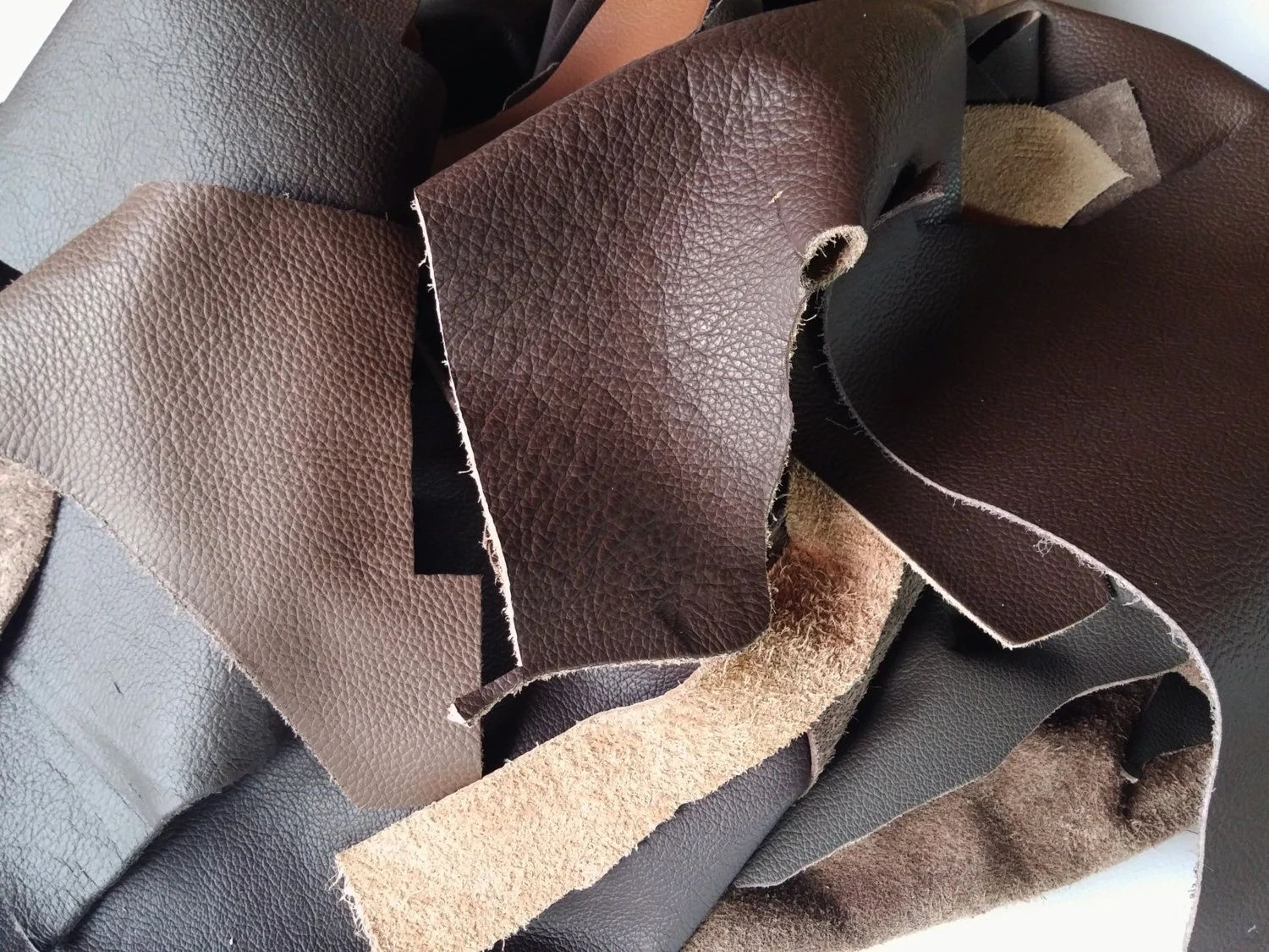 Leather scraps for crafts - Download