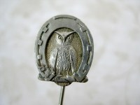Antique Owl Horseshoe Tie Pin / Victorian Pin for Hats Ties