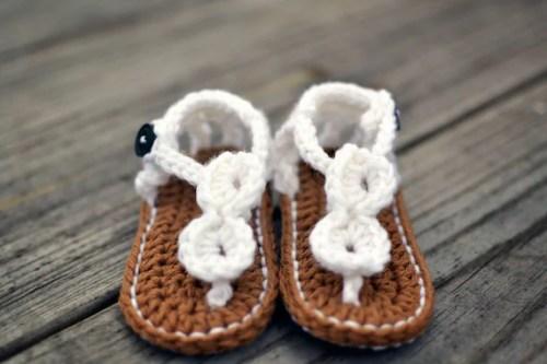 Botines de mano de ganchillo de Bebés y sandalias blancas para bebés - Sandalias de ganchillo