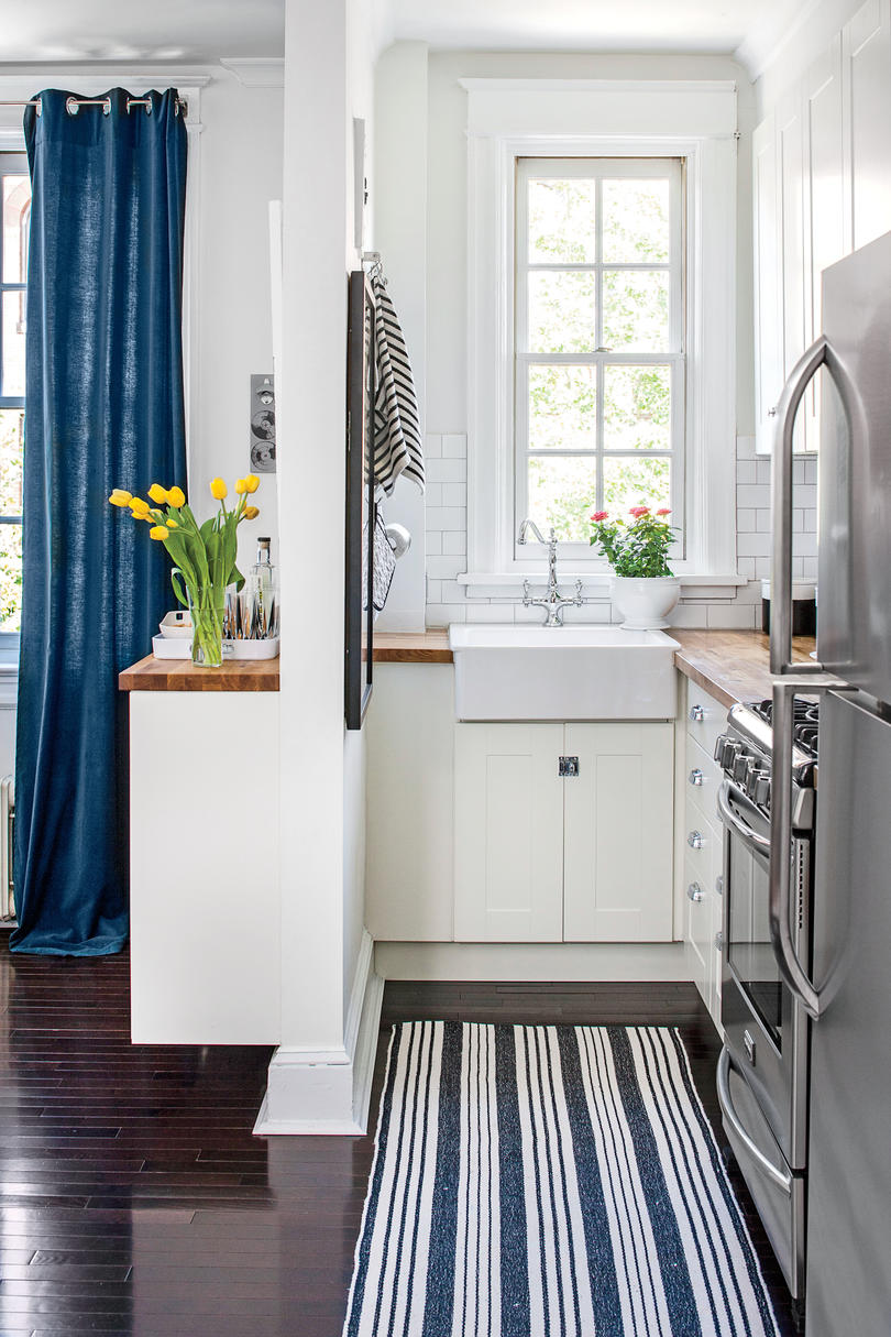 Small Enclosed Kitchen Design Teeny Tiny Kitchens We Re Swooning Over