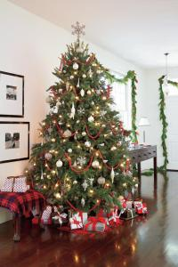 Our Favorite Living Rooms Decorated for Christmas ...