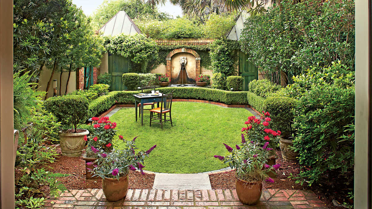 Courtyard Designs Classic Courtyards