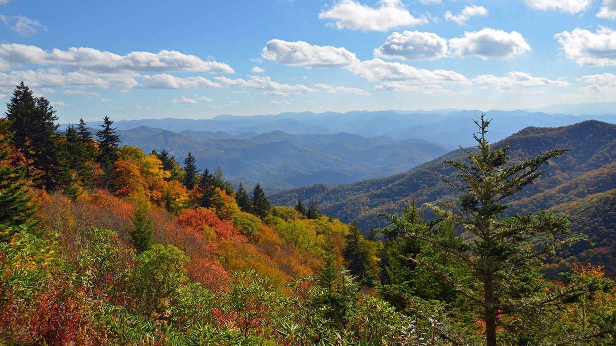 Kentucky Fall Wallpaper 2017 20 Charming Mountain Towns To Visit This Fall Southern