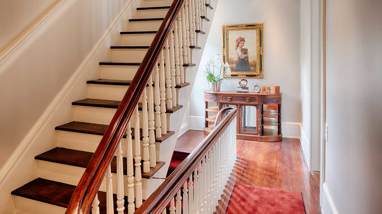 Italianate Style House Interior This Downtown Savannah Home Blends Historic Charm With Modern