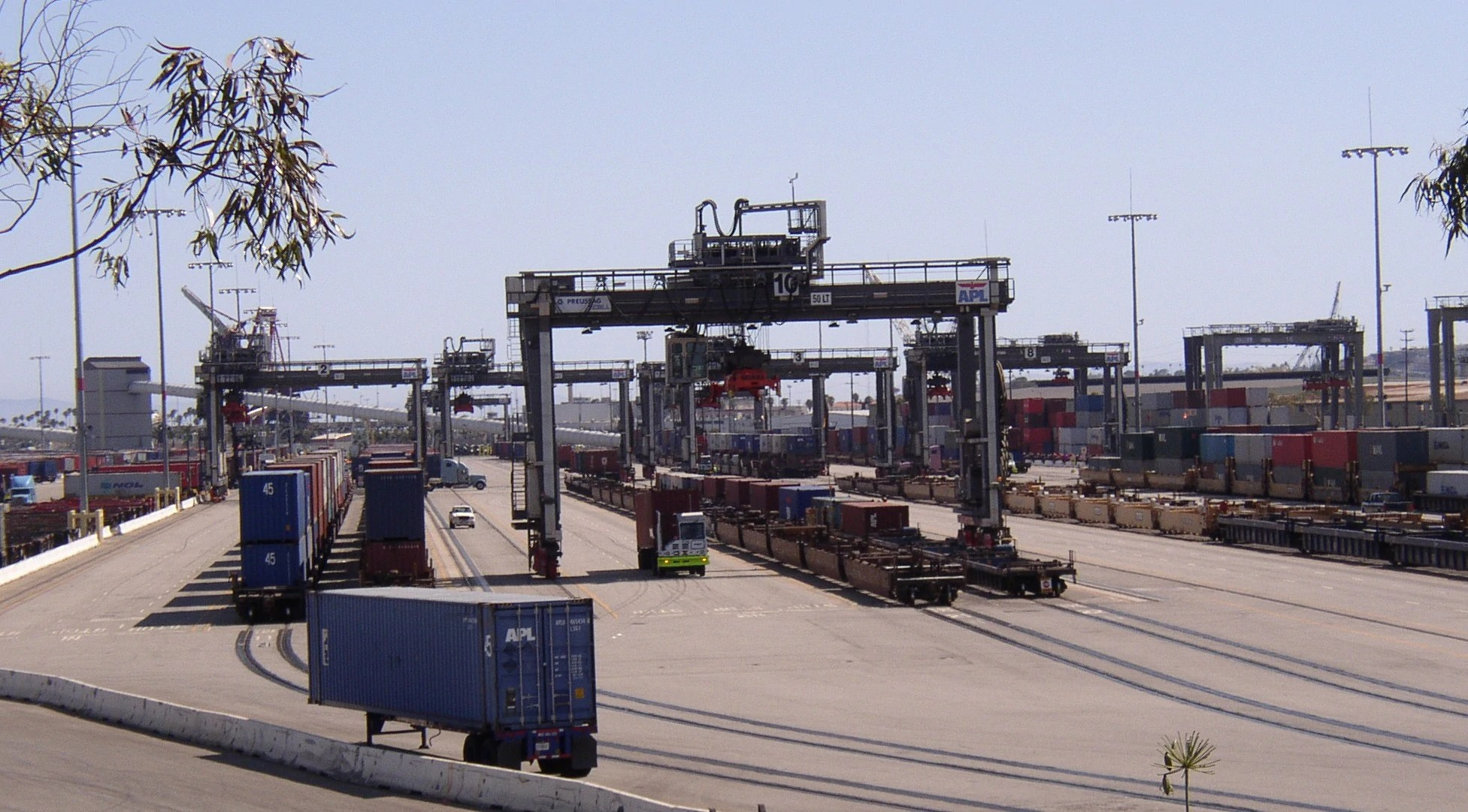 Containerdienst Rostock Intermodal Freight Transport Tractor And Construction