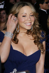 Mariah Carey shows cleavage at 2010 Oscars - Hot Celebs Home