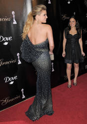 Jessica Simpson busty at Gracie Awards Gala in Beverly Hills - Hot Celebs Home