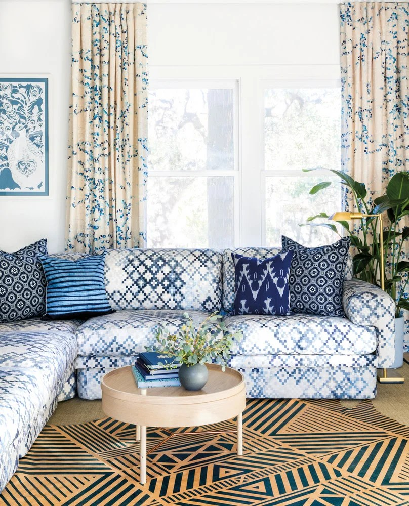 Decor Oriental Chic 12 Chic Ways To Style Rugs Over Carpet