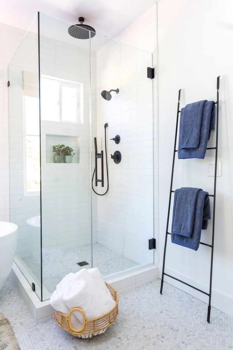 Bathroom Essentials 5 Things You Don T Need For A Tidy And Organized Bathroom