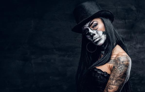 Free Wallpapers Cars And Beautiful Ladies Wallpaper Sake Pose Female Makeup Black Hat Day Of