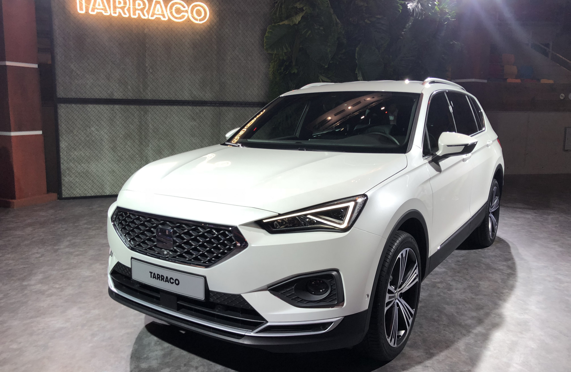 Seat Suv Range Seat Unveils Its All New Tarraco Suv The Biggest In Its