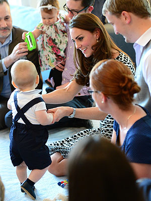 Prince George Performs First Royal Duty – a Playdate  Kate Middleton, Prince William