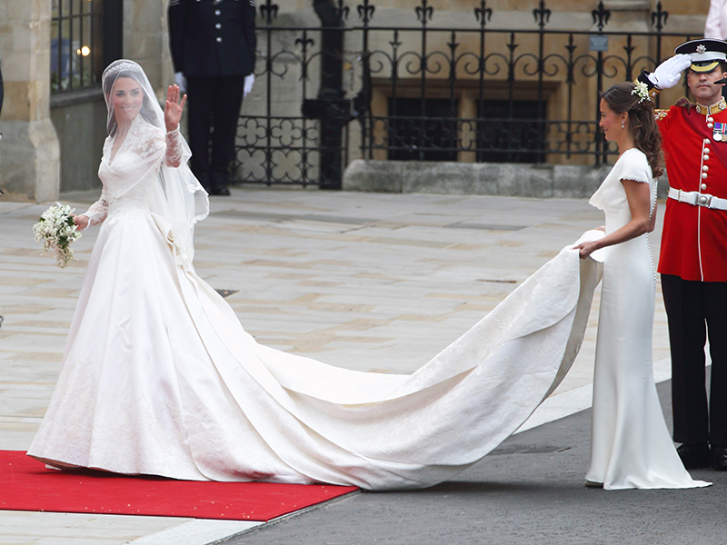 Who Will Design Pippa Middleton's Wedding Dress?| The British Royals, The Royals, Pippa Middleton