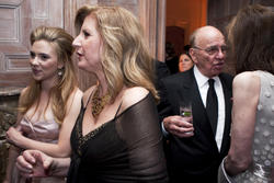 Scarlett Johansson cleavagy at 2010 White House Correspondents Association Dinner - Hot Celebs Home