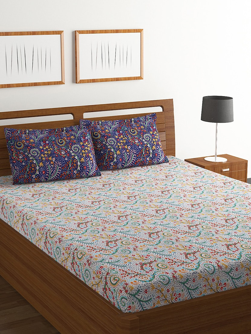 Double Bed 100 Buy 100 Cotton Double Bed Sheet With 2 Pillow Covers By Bombay