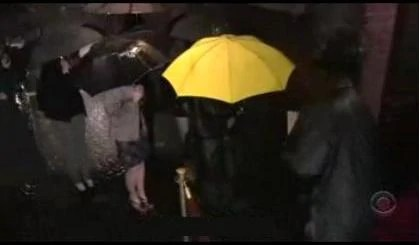 Classic Girl Wallpaper Yellow Umbrella How I Met Your Mother Wiki