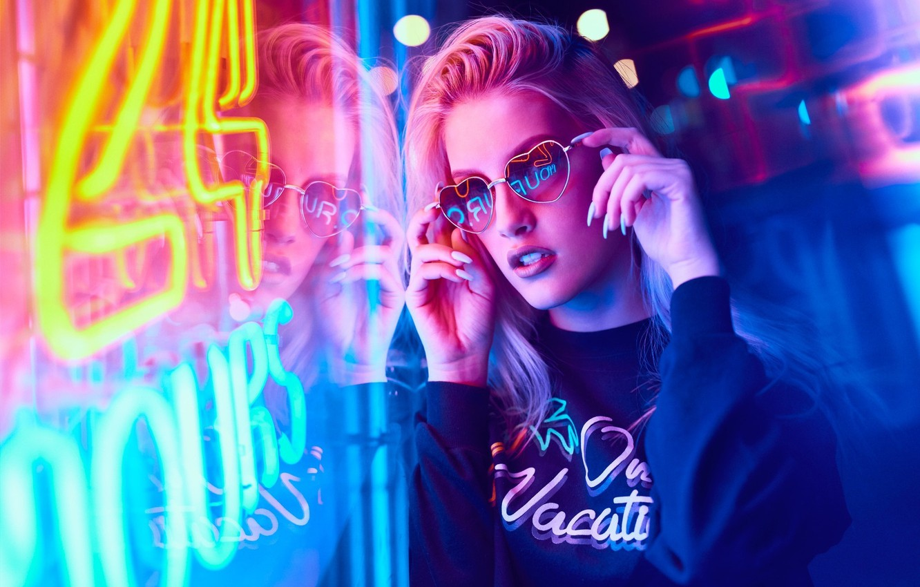 Girl Night Lights Wallpaper Girl Night Lights Neon Makeup Glasses Hairstyle