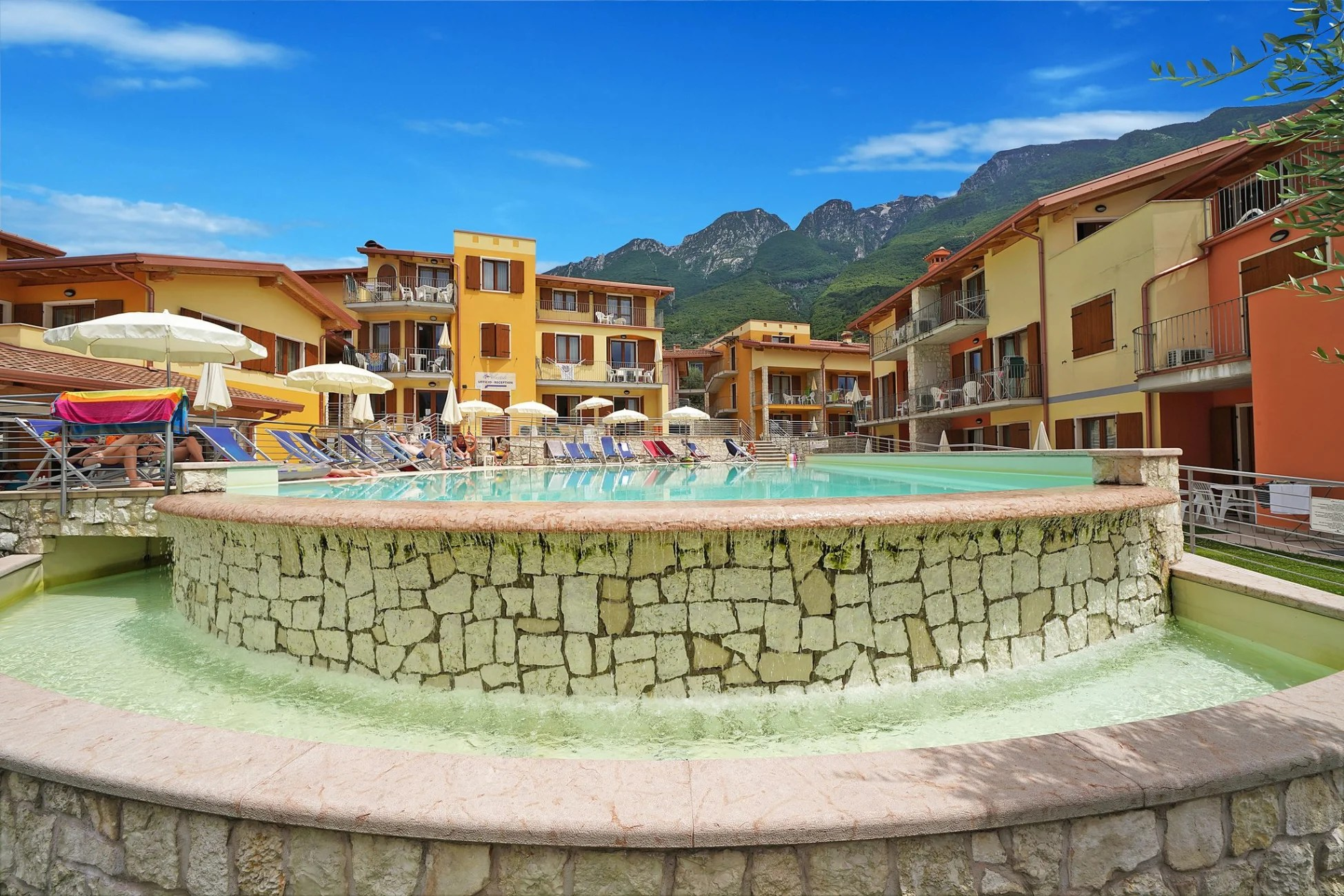 Hotel Caminetto Garda Serviced Apartment Atlantide Villaggio Albergo Brenzone Sul Garda
