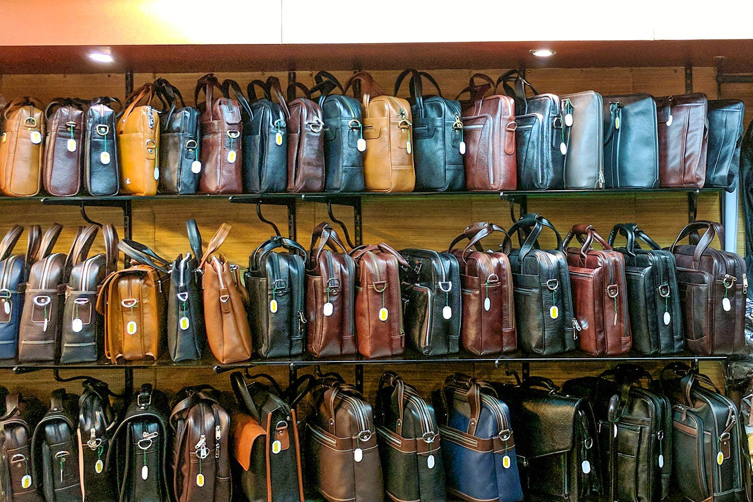 Bag Shops Check Out Best Bags In Mumbai Lbb