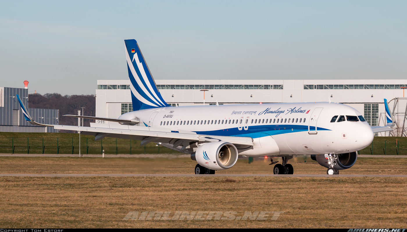 Himalaya Hamburg Airbus A320 214 Himalaya Airlines Aviation Photo 4160789