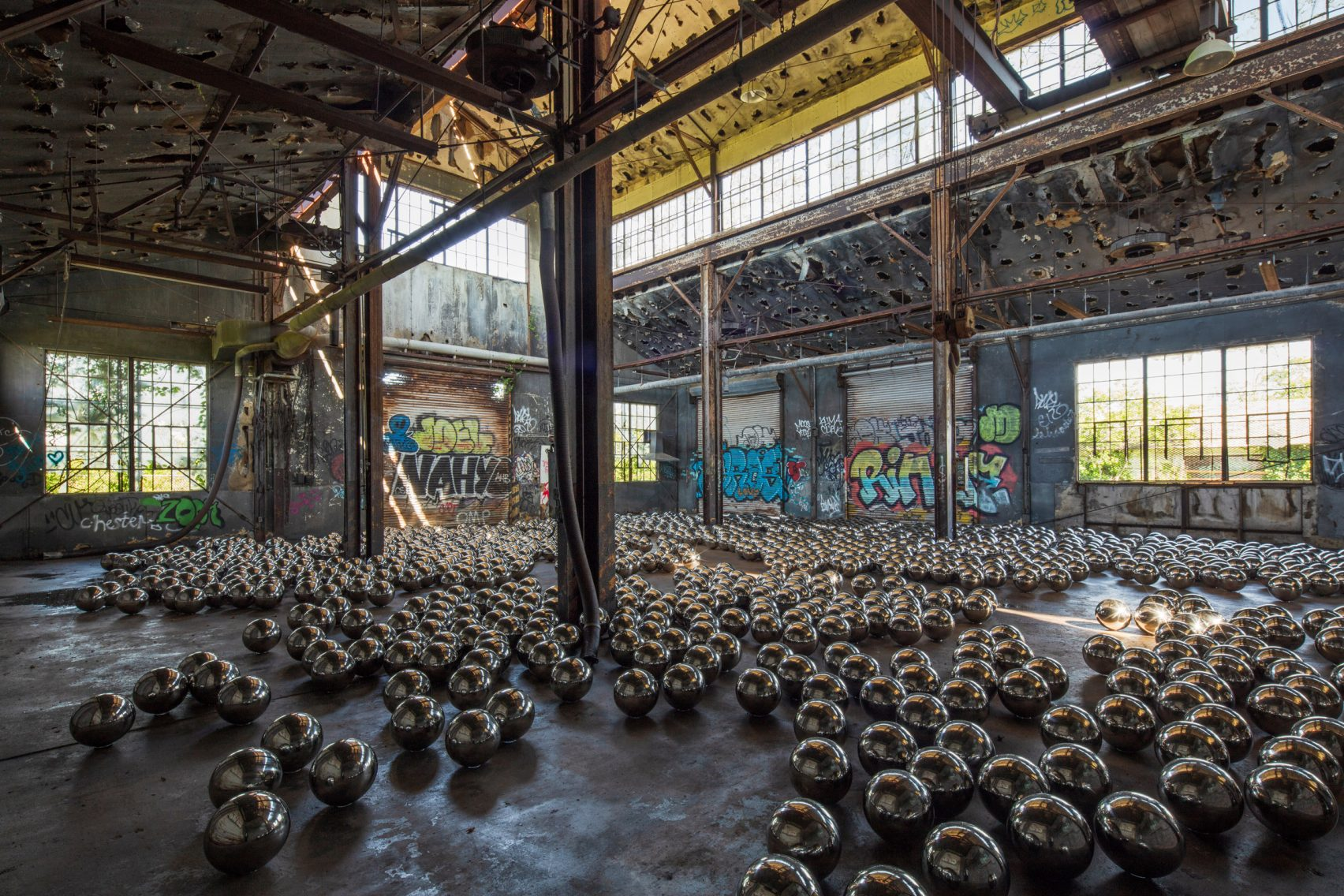 Garage Art Facebook Check Out Artist Yayoi Kusama S Installation In An Abandoned