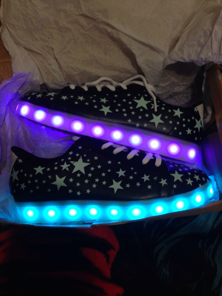 Glow in the dark star print led sole shoes