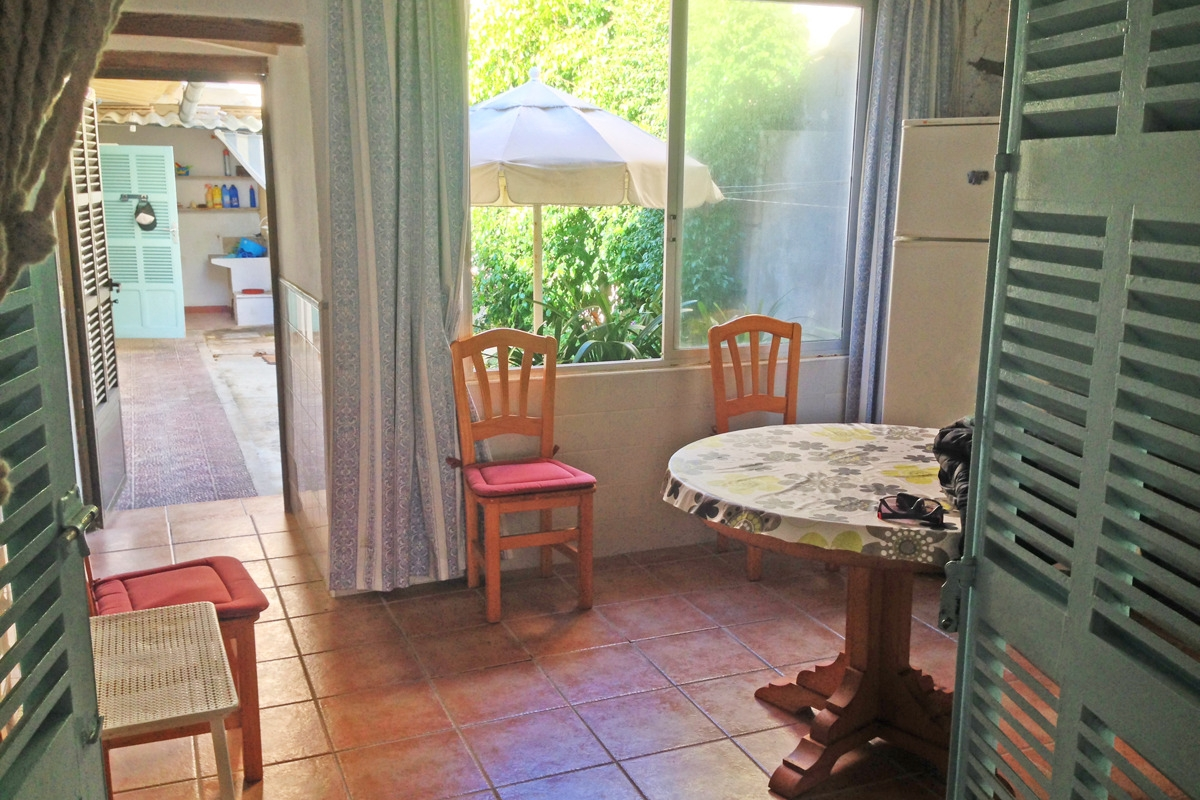 Rundtisch Esszimmer Summer House Requiring Renovation Ideal For Smaller Investors Who