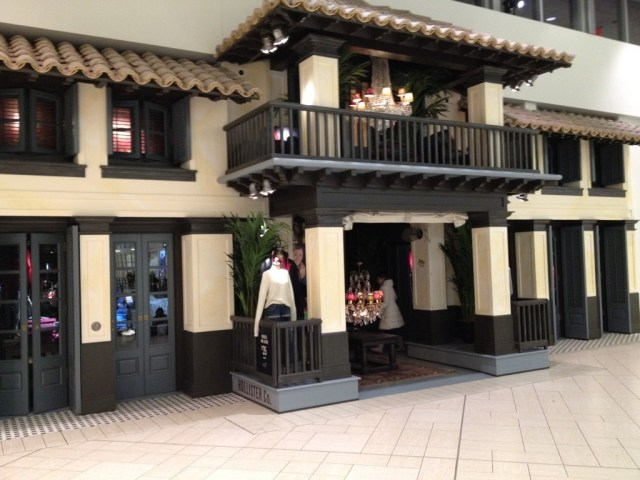 Hollister & Co Retail store Front