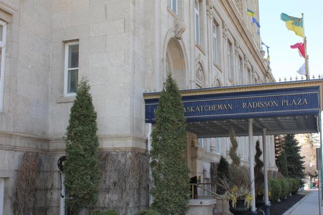 Hotel Saskatchewan Regina SK Radisson (1)