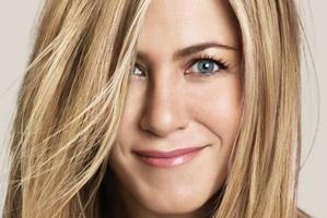 Jennifer_Aniston party girl