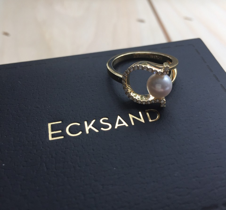 Ecksand_Lucky_pearl_and_diamond_yellow_ring