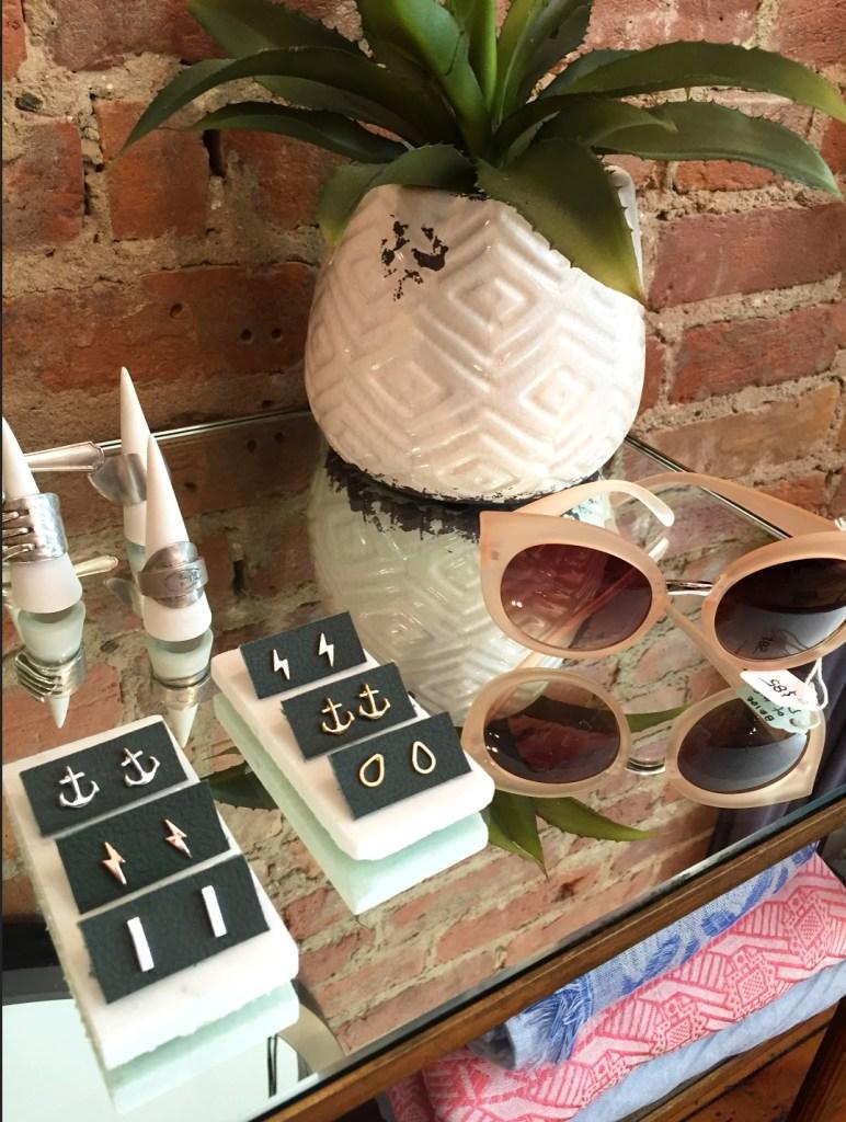 shopgirls_sunglasses_accessories