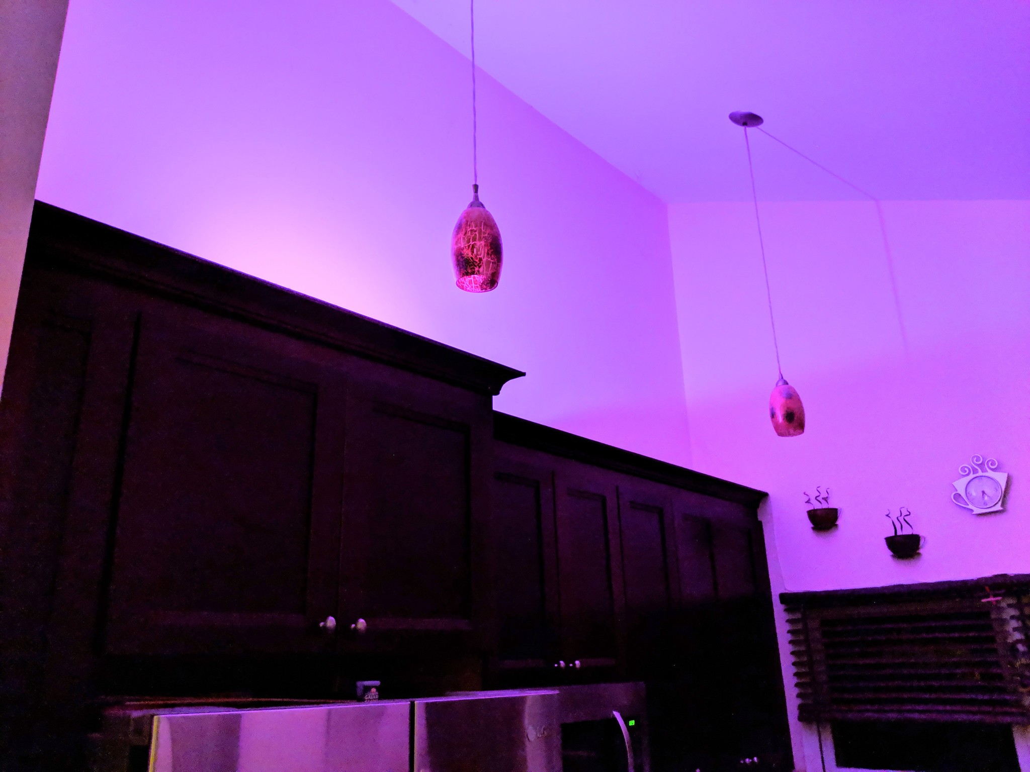 Philips Hue Examples Philips Hue Go Vs Philips Hue Bloom Which Should You Buy